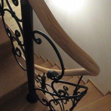 Laiptai su kalvio darbo tvorele BE 12