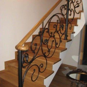 Laiptai su kalvio darbo tvorele BE 08