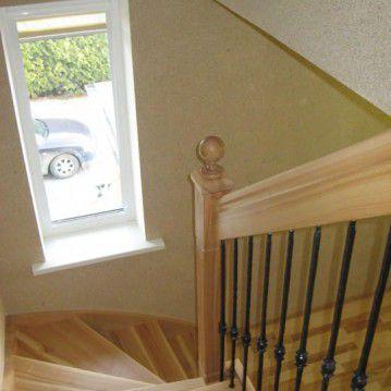 Laiptai su medinėm laikančiom sijom ME 13