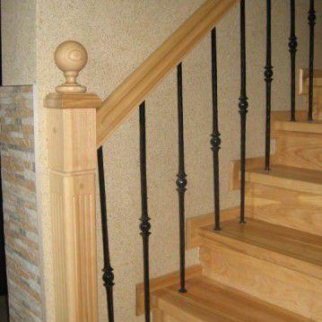 Laiptai su medinėm laikančiom sijom ME 14