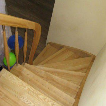 Uždari mediniai laiptai ME 24
