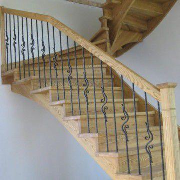 Mediniai laiptai su posūkiu ME 28