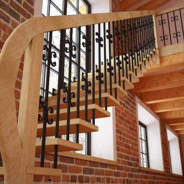 Tiesūs išlengvinti mediniai laiptai SA 04