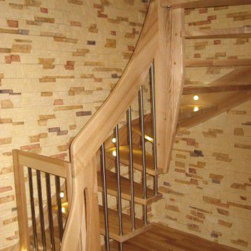 Sąvaržiniai išlengvinti laiptai su varteliais SA 09