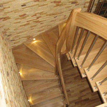 Sąvaržiniai išlengvinti laiptai su varteliais SA 10