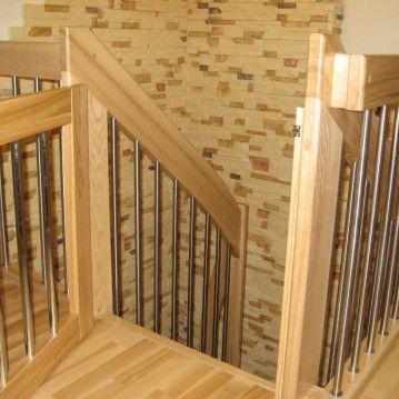 Sąvaržiniai išlengvinti laiptai su varteliais SA 11