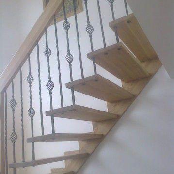 Sąvaržiniai išlengvinti laiptai su aikštele SA 58