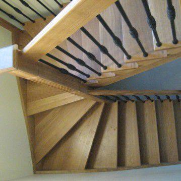 Ąžuoliniai sąvaržiniai išlengvinti laiptai SA 75
