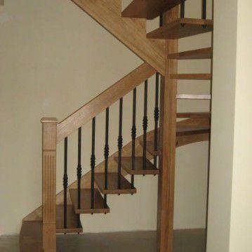 Ąžuoliniai sąvaržiniai išlengvinti laiptai SA 77