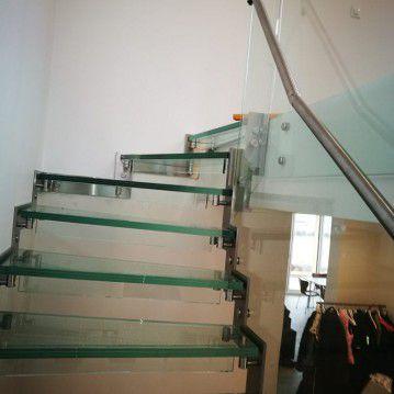 Stikliniai laiptai su nerūdijančio plieno turėklu ST 10