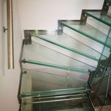 Stikliniai laiptai su nerūdijančio plieno turėklu ST 14