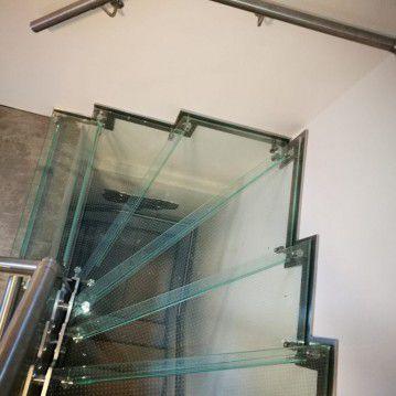 Stikliniai laiptai su nerūdijančio plieno turėklu ST 20