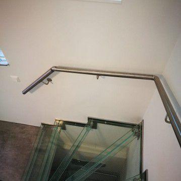 Stikliniai laiptai su nerūdijančio plieno turėklu ST 31