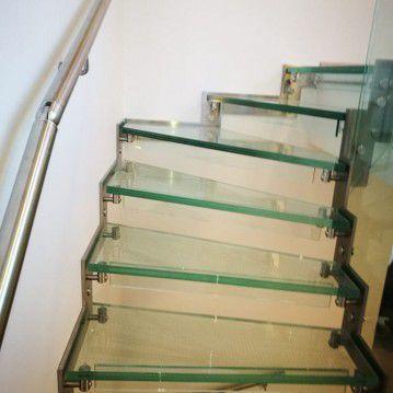 Stikliniai laiptai su nerūdijančio plieno turėklu ST 33