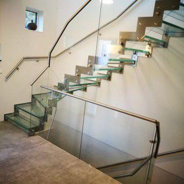 Stikliniai laiptai su nerūdijančio plieno turėklu ST 35