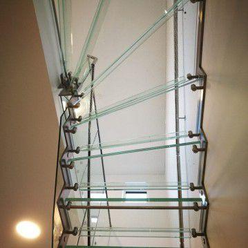 Stikliniai laiptai su nerūdijančio plieno turėklu ST 38