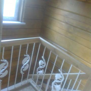 Laiptai ant medinės konstrukcijos ME 51